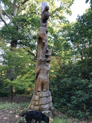 Baumskulptur in Hall place